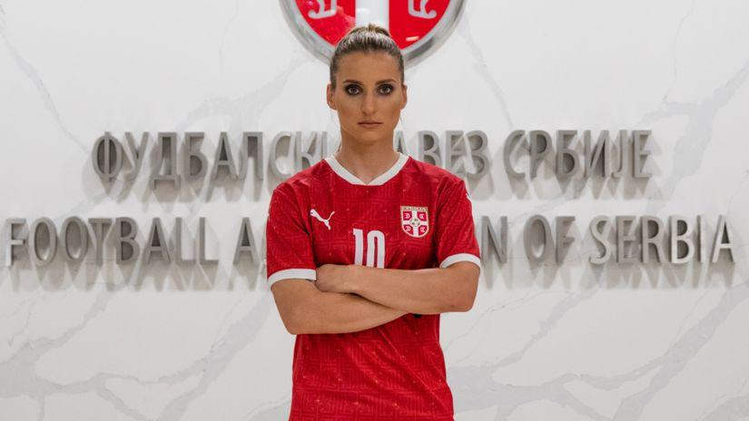 jelena čanković fudbalerka srbija